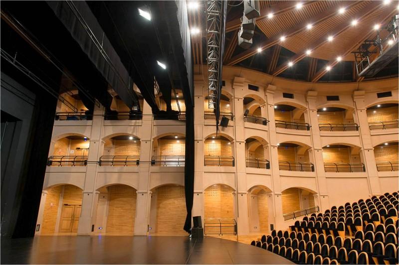 Continuité scène-salle Le Dôme Théâtre Albertville