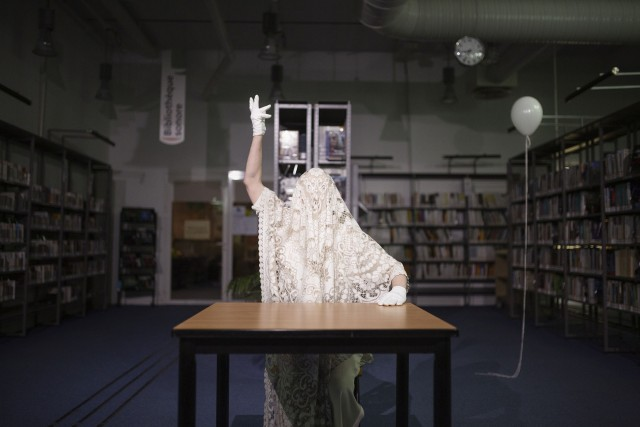 Virginia à la bibliothèque
